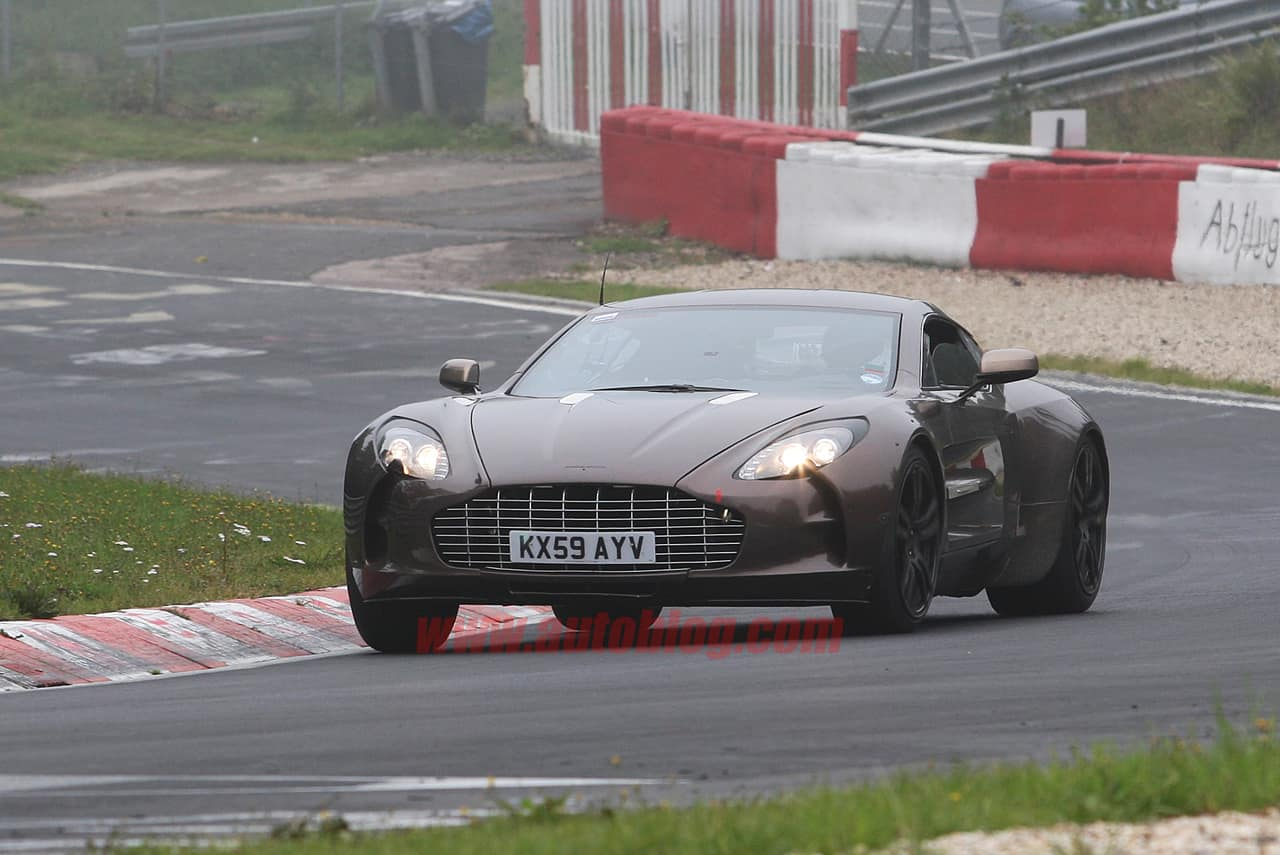 "Spyshots : l'Aston Martin One-77 surnommée ""Dirty Shirley"" ?"