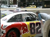 Insolite : un taxi-nascar à Chicago, made by RedBull