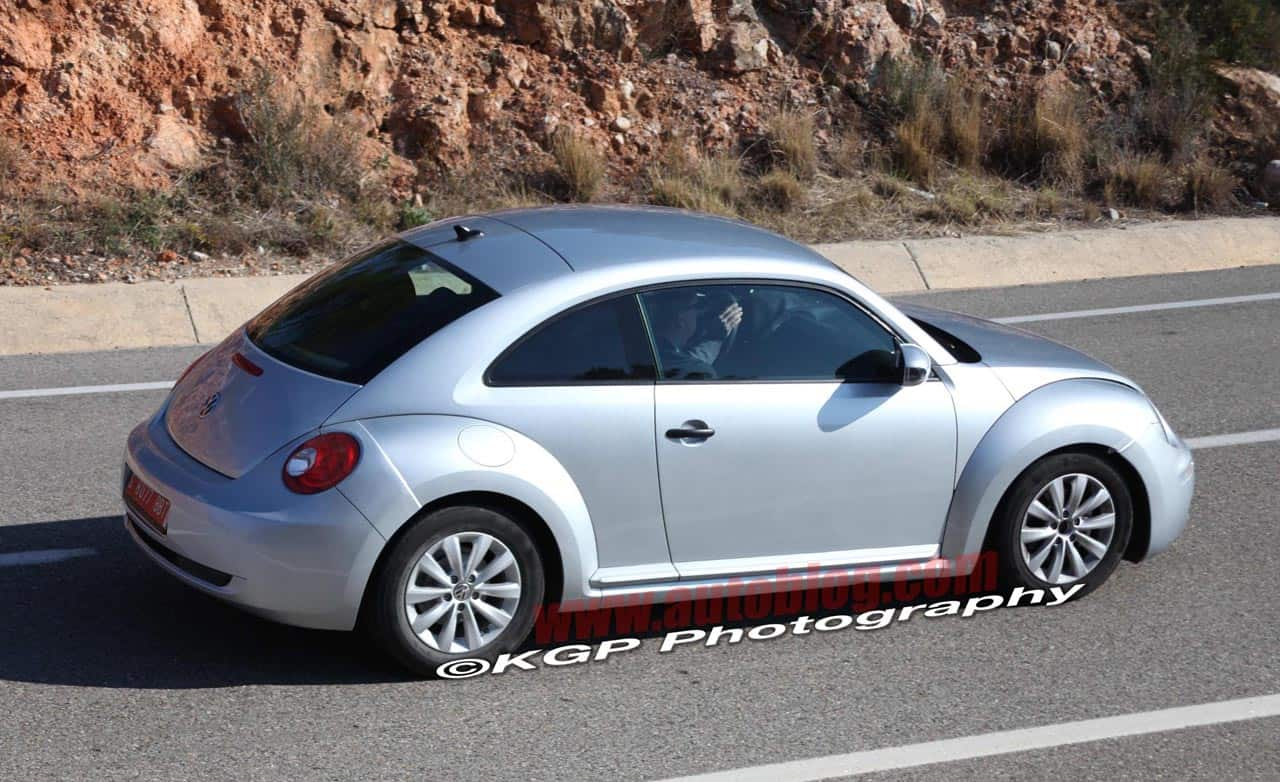 spyshots la nouvelle volkswagen new beetle sans camouflage. Black Bedroom Furniture Sets. Home Design Ideas