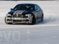 Chris Harris teste la pré-version de la BMW M5 F10