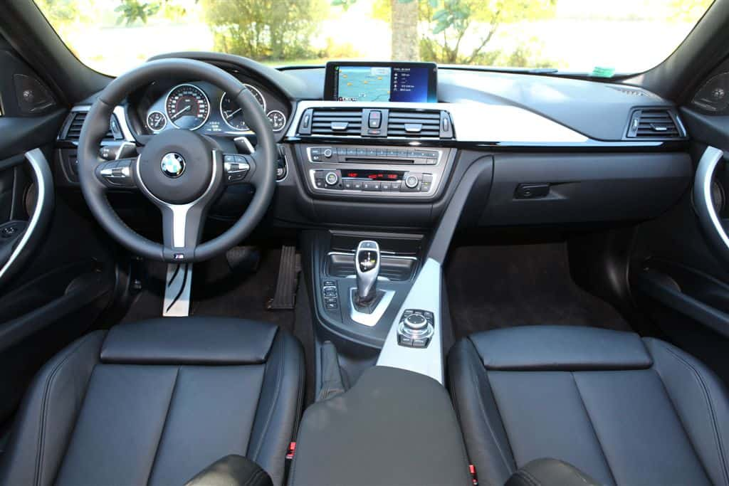 essai de la bmw 330d touring m sport. Black Bedroom Furniture Sets. Home Design Ideas