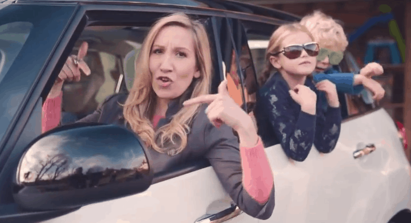 "Fiat fait la promo de sa 500L via ""The Motherhood"", un rap maternaliste"
