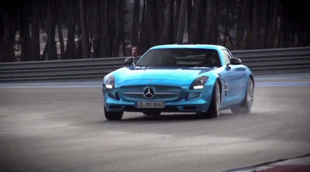 Chris Harris prend en main la Mercedes SLS AMG Electric Drive