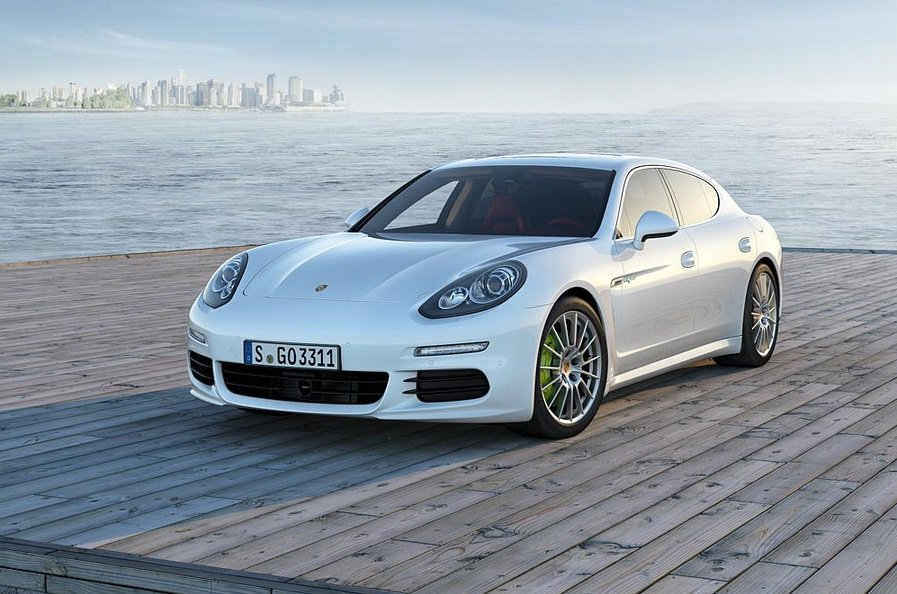 La Porsche Panamera 2013 s'officialise