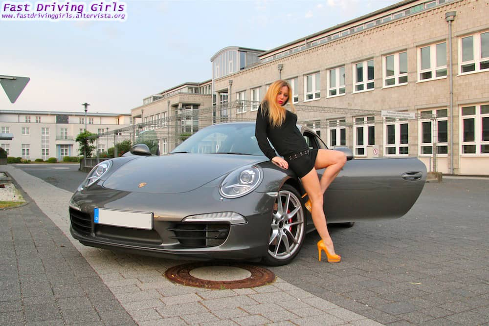 fast cars nude girls