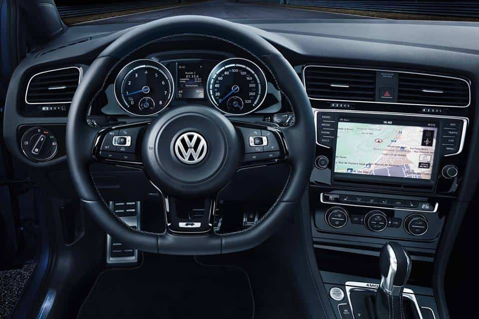 Vw golf 7 r encore une nouvelle galerie photos for Interieur golf 7