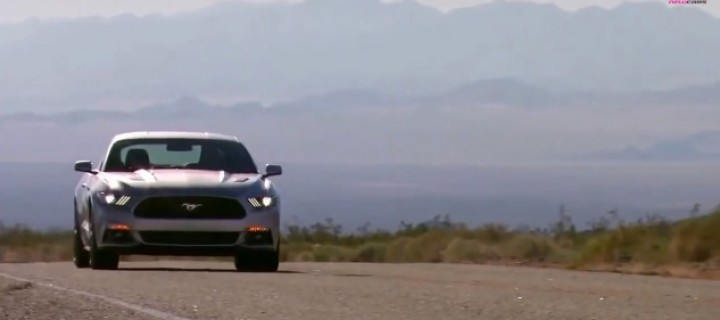 La Ford Mustang 2014 s'engage sur la Route 66