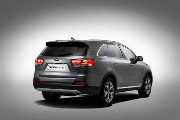 Kia Sorento 2015 - premieres photos officielles en ligne-2