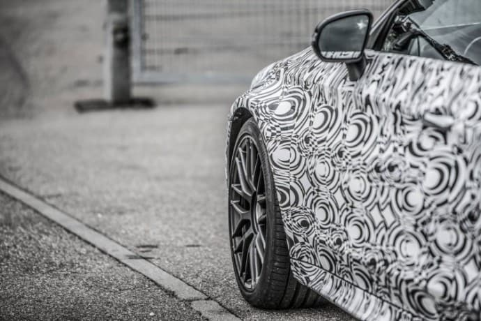 mercedes-c63-amg-coupe-teaser-2